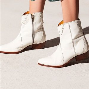 Free People New Frontier Leather Ankle Boots!!